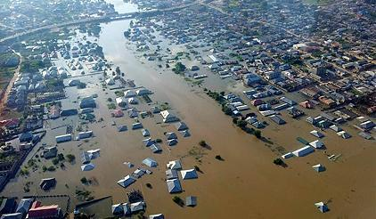 Photo copyright NEMA. The 2012 floods which impacted the country's GDP and displaced over six million people provided the backdrop to discussions this week between the Nigerian Government and UNISDR on disaster risk management.