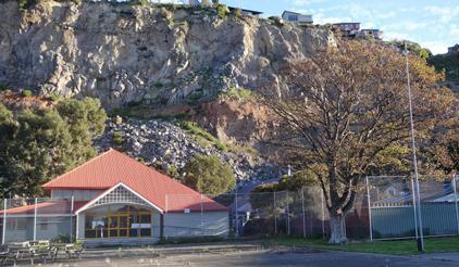 The Redcliffs School is in Christchurch's Red Zone and has been closed for three years due to the danger of rockfalls triggered by earthquakes and aftershocks. No schoolchildren died in the Christchurch earthquakes of 2010 and 2011. The houses built on top of the cliff have all been abandoned. (Photo: UNISDR)