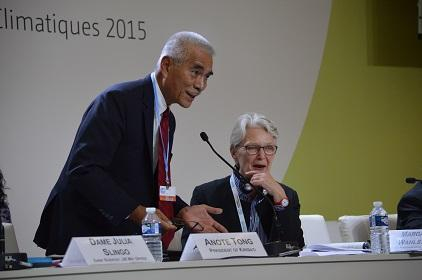 President Anote Tong of Kiribati and Margareta Wahlström, head of UNISDR, shared the podium at Tuesday's COP21 event on the Sendai Framework for Disaster Risk Reduction (Photo: UNISDR)