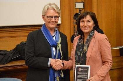 Margareta Wahlström, Head of UNISDR (left) with, Annick Girardin, France's Secretary of State for Development, at the launch of the CREWS initiative (Photo: UNISDR)