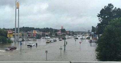 Floodwaters in Denham Springs, Louisiana, on August 13 (Photo: Louisiana Department of Transportation and Development)