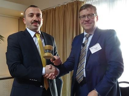 Turkey takes charge of the European Forum: Mr. Erkan Koparmal (left), strategic chief at its disaster management body AFAD, receives the gavel from Mr. Taito Vainio, senior adviser at the Interior Ministry of outgoing president Finland (Photo: UNISDR).