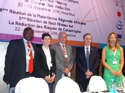(from left): Mr. Xavier Agostinho Chavana, Mozambique government, Dr. Ailsa Holloway, Stellenbosch University, Prof. Wadid Erian, League of Arab States, Mr. Robert Glasser, UNISDR head, Ms. Katie Peters, ODI (Photo: UNISDR)