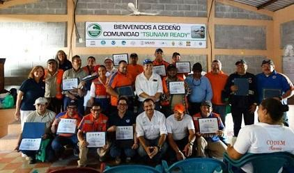 "Recognising communities as ""Tsunami Ready"" is a powerful means to curb risk. Cedeño, a fishing town in Honduras, was honoured last week. (Photo: NOAA/CTWP)"