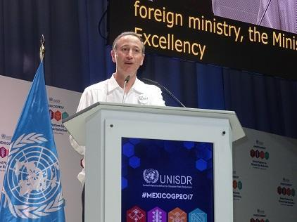 The UN Secretary-General's Special Representative for Disaster Risk Reduction, Mr. Robert Glasser, speaking at the close of the Global Platform (Photo: UNISDR)