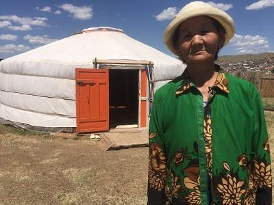 Dorjpagma lost her entire livestock herd during the 2016/2017 Dzud and was forced to migrate to Ulaanbaatar to seek work