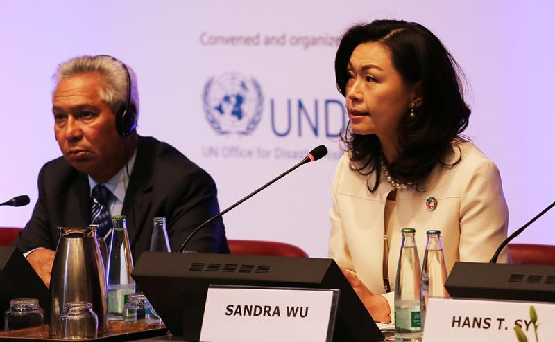 Panelists at the High-Level Dialogue on risk-informed public and private investment: Isidoro Santana, Minister of Economy, Planning and Development, Dominican Republic and Sandra Wu, UN Global Compact